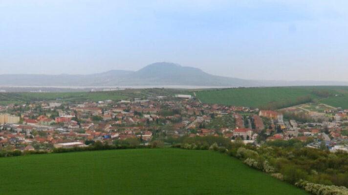Panorama, Hustopeče, v pozadí Pálava a Nové Mlýny